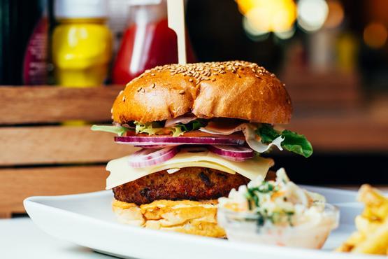 https://www.homeburgerbar.com/%C2%BFQui%C3%A9n%20dijo%20que%20las%20hamburguesas%20solo%20pod%C3%ADan%20ser%20de%20carne%3F